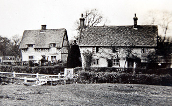 Brook End and Pear Tree Cottage in 1933 [X504/1]